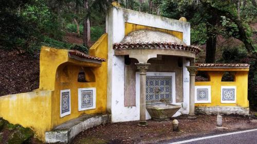 Chafariz outside Monserrate