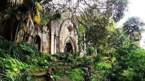 False ruins
