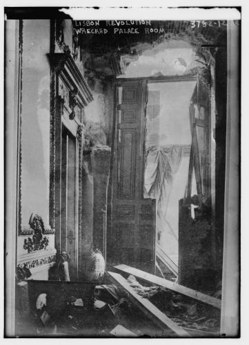 Lisbon -- revolution wrecked palace room