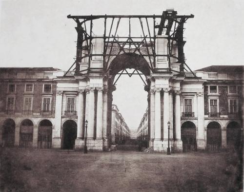 Arch at Comercio 1875