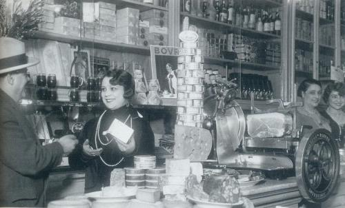 Lisbon grocery 1920s